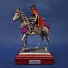Photo1: Classic Historical Statue- Oda Nobunaga Riding on Horse(Red Mantle Version) (1)