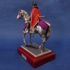 Photo5: Classic Historical Statue- Oda Nobunaga Riding on Horse(Red Mantle Version) (5)
