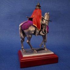 Photo4: Classic Historical Statue- Oda Nobunaga Riding on Horse(Red Mantle Version) (4)