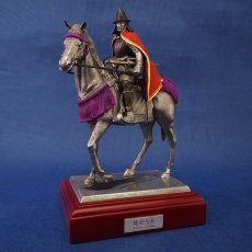 Photo2: Classic Historical Statue- Oda Nobunaga Riding on Horse(Red Mantle Version) (2)